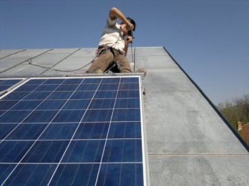 Revizie panouri solare. Poza 57